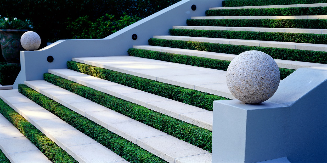 Paul Bangay Traditional Range Bondi Steps Square Edge Coping 50mm (3)